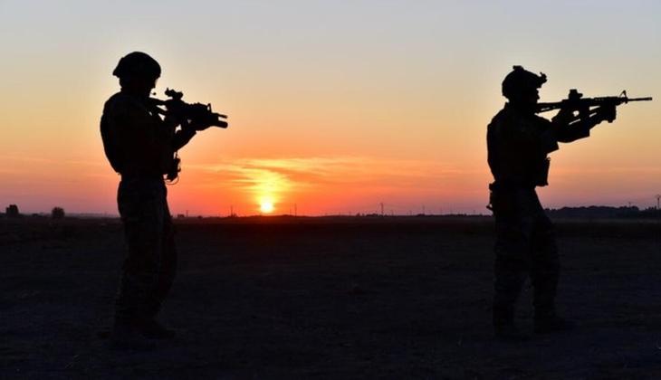 Terör örgütü PKK'dan kaçışlar sürüyor! Teslim oldular... Aralarından birinin ailesi evlat nöbetindeydi
