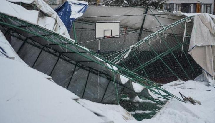 Eyüpsultan'da spor salonunun çatısı çökmüştü! 'Büyük bir gümbürtüyle aşağıya indi'