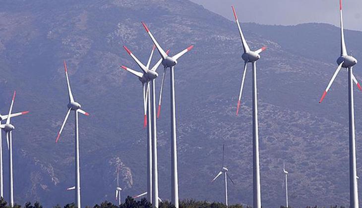Bakan Dönmez: Rüzgarımız rekorlarla esiyor