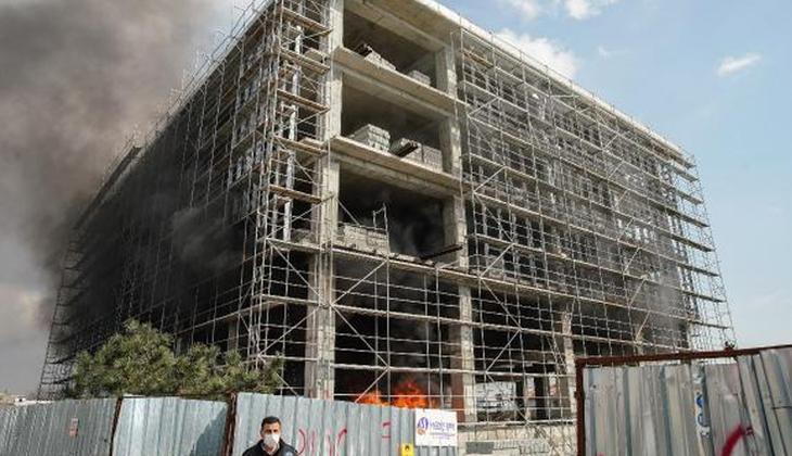 İkitelli'de inşaat halindeki binada korkutan yangın!