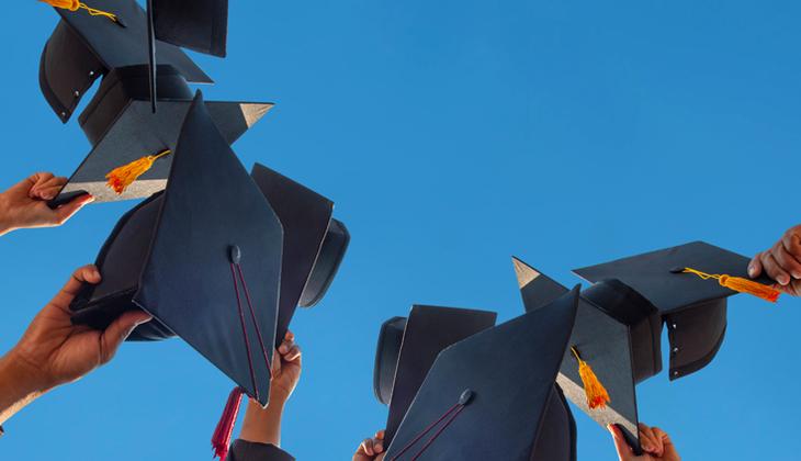 İngiltere'de mezun öğrencilere 2 yıl daha vize! Türkleri de ilgilendiriyor