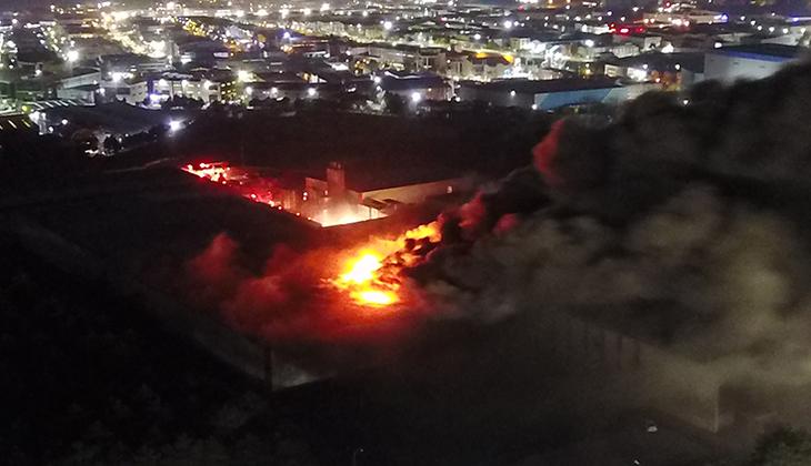 Son dakika... Tuzla'daki büyük yangından acı haber: 2 kişinin cansız bedenine ulaşıldı
