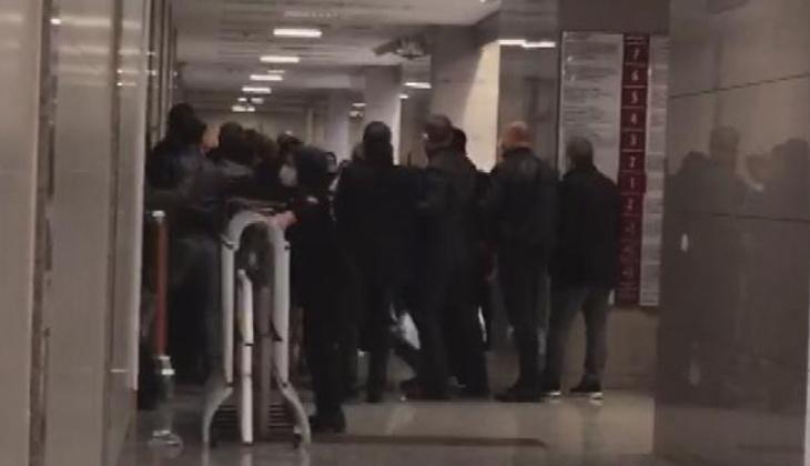 İş insanı Ali Rıza Gültekin'in ölümüyle ilgili davada duruşma öncesi arbede
