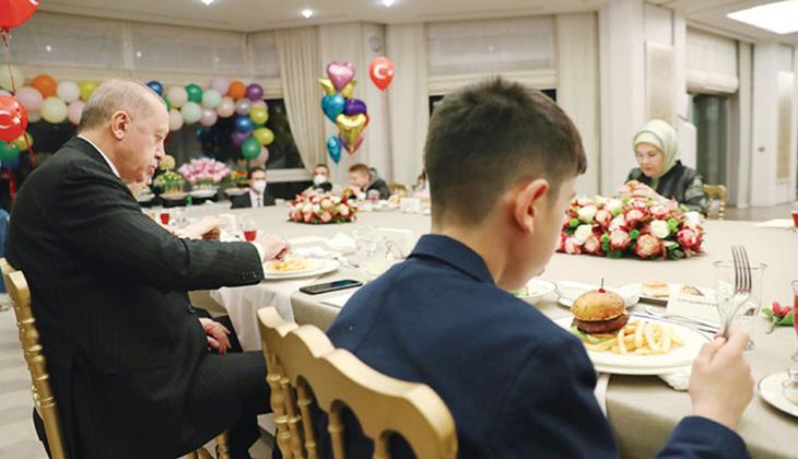 'Rüyamda cöö diye karşıma çıktın Başkan Dedeciğim'