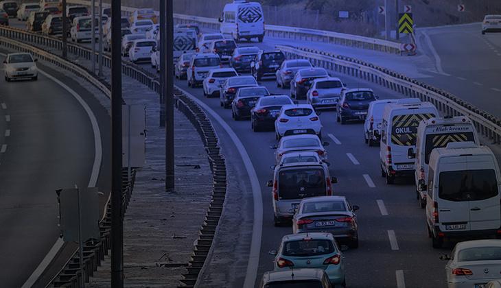 Tam kapanma öncesi İstanbul'dan kaçış! Sabah erken saatte yola çıktılar
