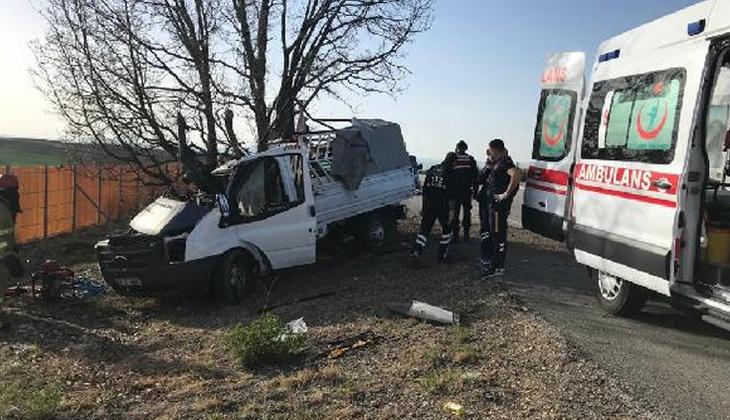 Kırıkkale'de feci kaza! Yol kenarındaki ağaca çarptı, acı haber geldi