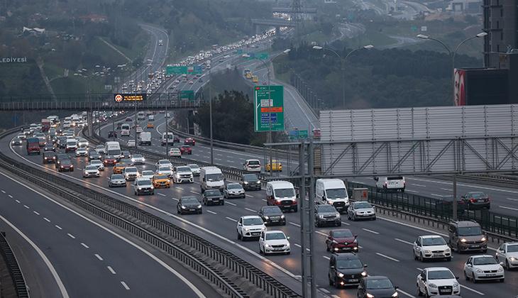 Son dakika... İstanbul'dan 'tam kapanma' göçü devam ediyor! Trafik kilitlendi