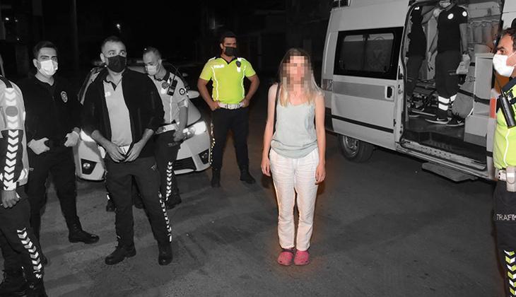 İzmir'de inanılmaz anlar! Otomobilini polislerin üzerine sürdü... Ortalığı birbirine kattı