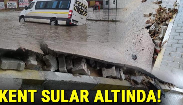 Son dakika: Samsun ve Bursa'da kuvvetli sağanak! Yollar göle döndü, ağaçlar kırıldı, taşlar yerinden söküldü