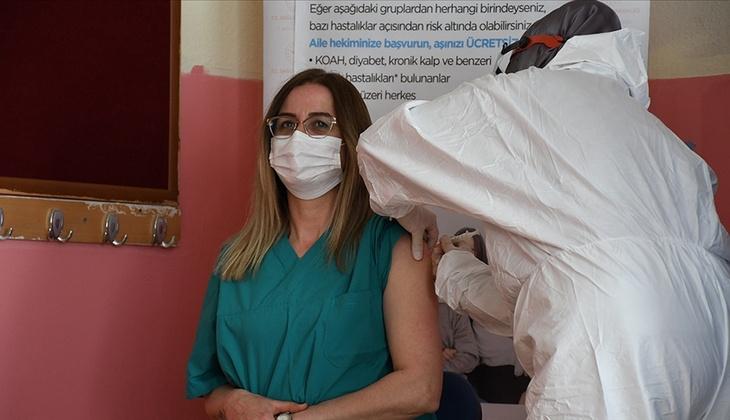 Son dakika haberi... 7 Haziran'dan itibaren... Bakan Koca duyurdu: Tüm öğretmenler aşı yaptırabilecek