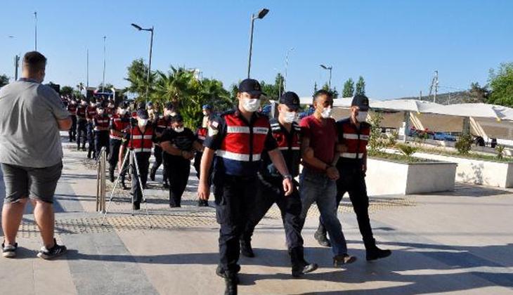 'Kasırga' operasyonunda gözaltına alınan 22 şüpheli adliyede