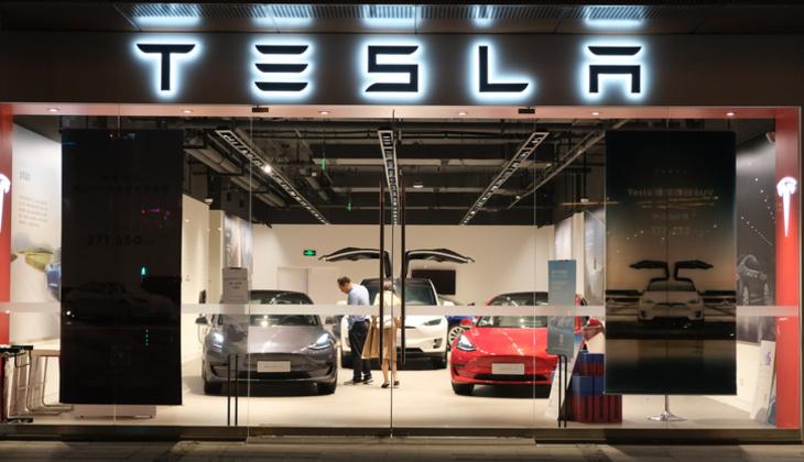 Elon Musk'a Çin'de Tesla şoku