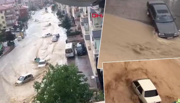 Son dakika: Ankara'da yoğun sağanak sonrası sel! Araçlar sürüklendi, caddeler su altında kaldı