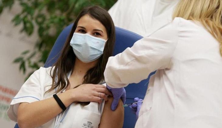 Fransa'dan flaş karar! Hastane ve bakımevi çalışanlarına Kovid-19 aşısı artık zorunlu