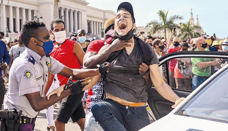 Küba'da isyan: Gıda kuyruklarına, yokluğa protesto