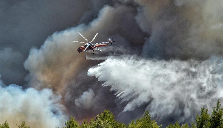 Yunanistan'da orman yangını... Yerleşim birimlerini tehdit etmeye başladı