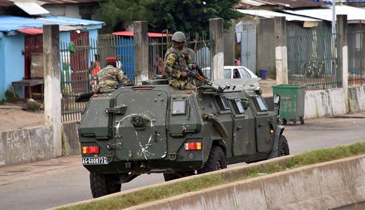 Son dakika: Gine'de cumhurbaşkanlığı sarayının etrafında silah sesleri duyuldu... Darbeci askerlerden ilk açıklama