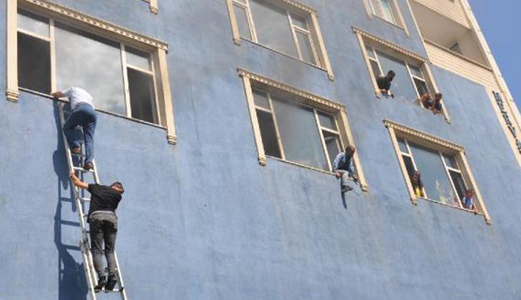 Muş'ta 6 katlı binada yangın! Can pazarı yaşandı