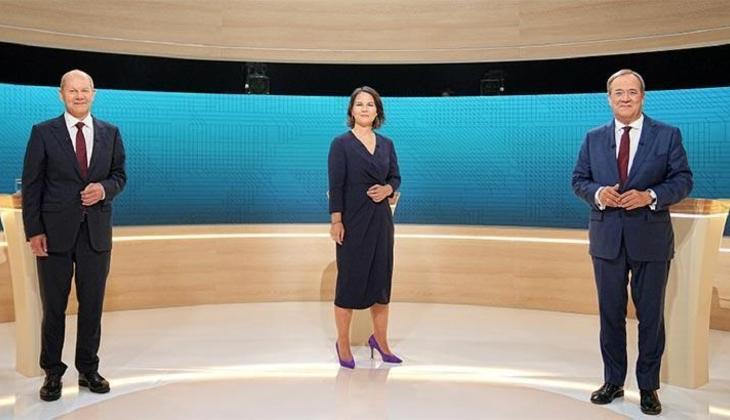 Almanya'da başbakan adayları canlı yayında karşı karşıya geldi