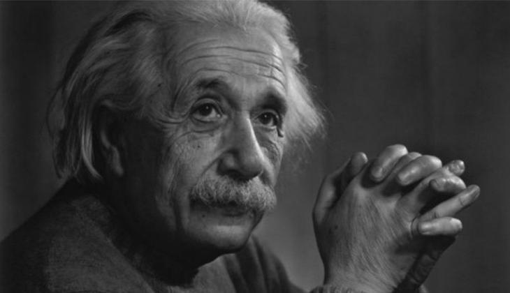 """'Einstein yanıldı!' Ünlü fizikçi """"en şok edici keşfe"""" karşıydı"""