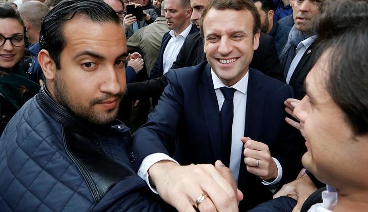 Macron'un en yakınındaki kişiydi... Ve hakim karşısında!