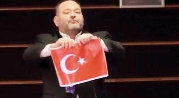 Son dakika haberler... Türk düşmanı parti suç örgütü sayıldı, Türk bayrağını yırtan ırkçı vekil tutuklandı