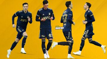 Fenerbahçenin yeni transferi Mesut Özil, ilk kez oyunda