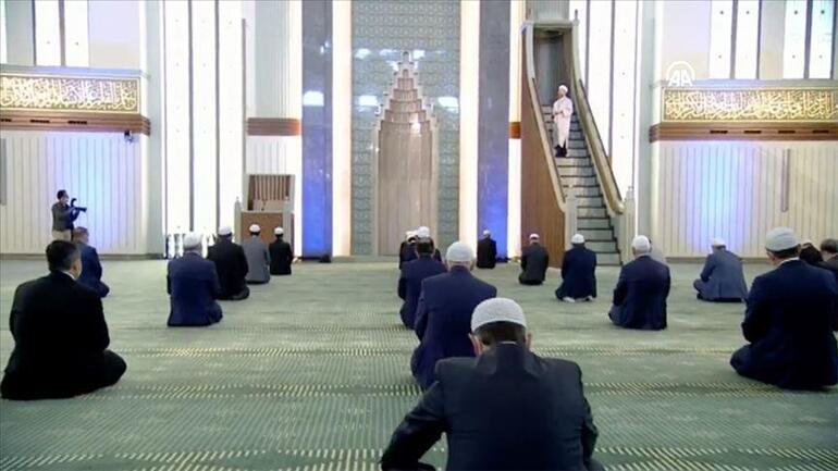 Cuma namazı saatleri 19 Şubat cuma namazı saat kaçta Diyanet İstanbul, Ankara, İzmir ve il il cuma namazı vakitlerini duyurdu