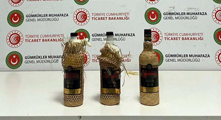 İstanbul Havalimanında ele geçirildi İçki şişelerinde piyasa değeri 2.5 milyon TL olan sıvı kokain...