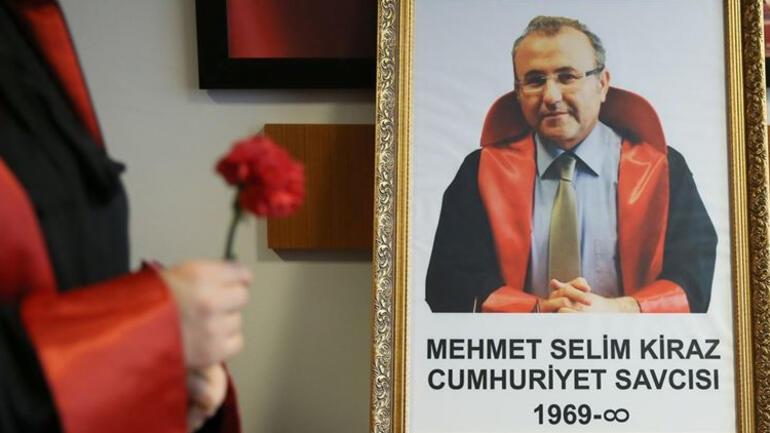 Şehit Savcı Kiraz ölümünün 6ncı yılında adliyede anıldı... Bakan Soylu: Senin ve şehitlerimizin intikamını alıyoruz