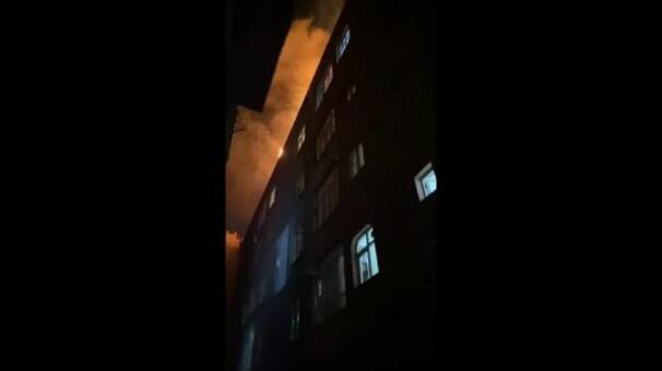Bağcılarda yangın paniği Mahalleli sokağa döküldü