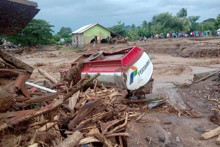Tropik kasırga felaketinde can kaybı artmaya devam ediyor