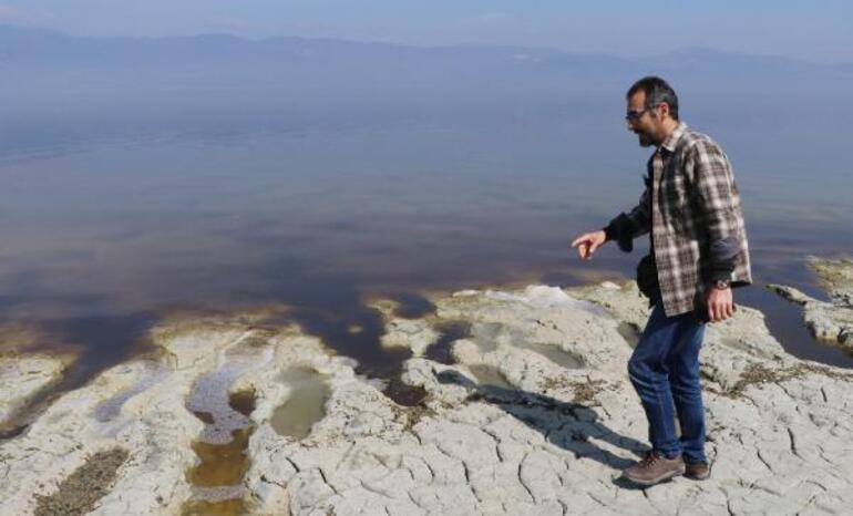 Burdur Gölünde şaşırtan alg patlaması