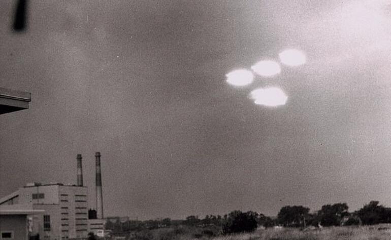 Eski CIA direktörü: Artık uzaylılara inanmaya başladım