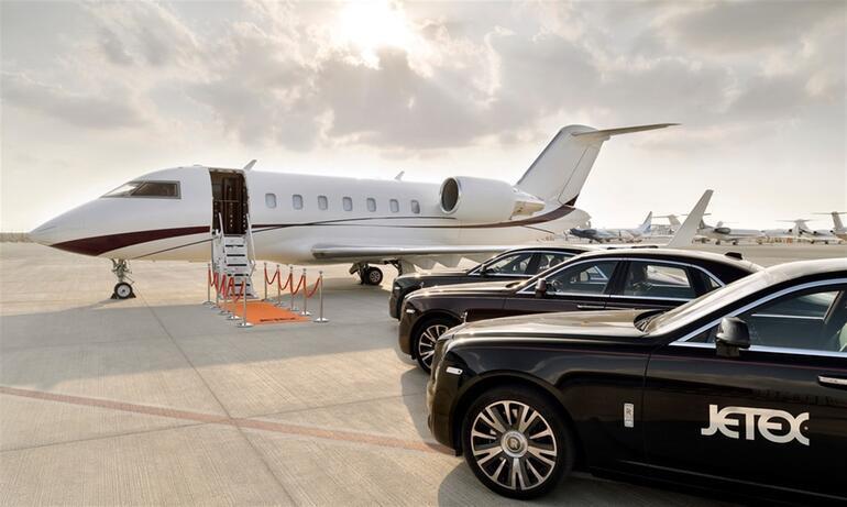 Dubaili şirketten ilginç hizmet Gökyüzünde iftar açmanın bedeli 18 bin dolar...