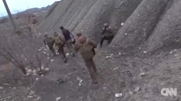 Son dakika haberi: Ukrayna Devlet Başkanı Zelenskinin cephede zor anları