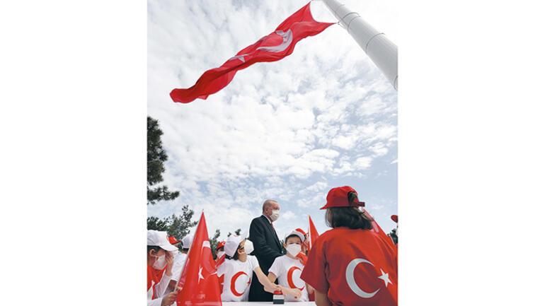 23 Nisan'da en büyük bayrak