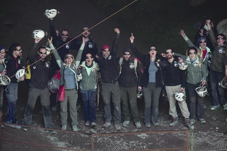Dünya bu 15 kişiyi konuşuyor 40 gün boyunca mağarada yaşadılar, çıkınca söyledikleriyle şaşırttılar