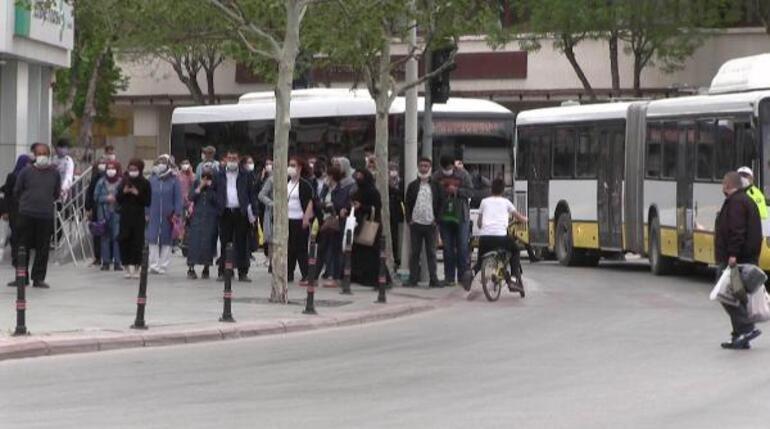 Konyada otobüs durağında çanta paniği