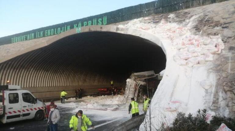 Son dakika... <strong>Kuzey Marmara Otoyolu</strong>nda feci <strong>kaza</strong> Edirne istikameti trafiğe kapandı