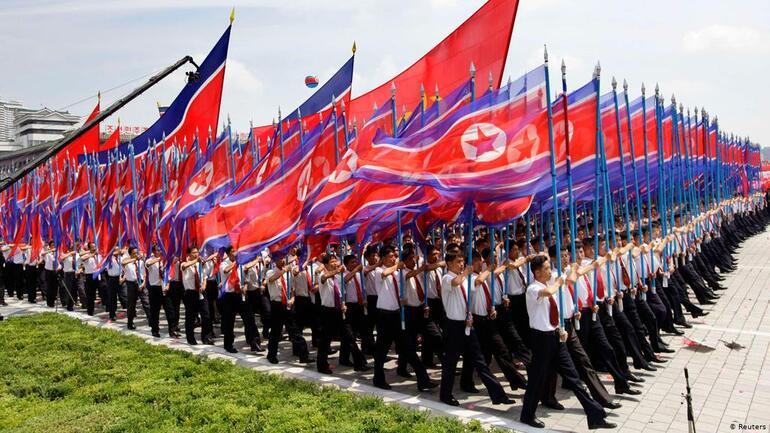 Güney Koreli aktivist, Kuzey Koreye balonlarla 500 bin propaganda broşürü gönderdi