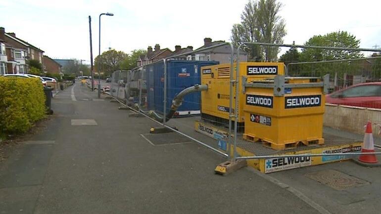 İngilterede akılalmaz görüntü: 300 tonluk yağ kütlesi şehir kanalizasyonunu tıkadı