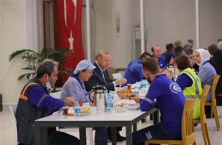 Son dakika: Cumhurbaşkanı Erdoğan: İşçinin alın terini sömürmek isteyenlere fırsat vermeyeceğiz