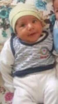 Bir babanın en acı anı Bebeğinin cansız bedenini kucağında taşıdı