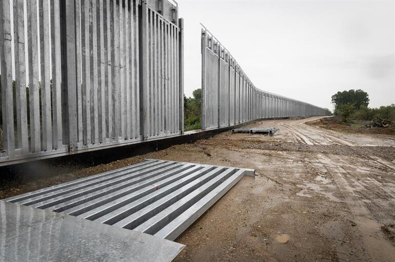 AB, göçmenlere karşı harekete geçti: Türkiye - Yunanistan sınırına dijital bariyer örüldü
