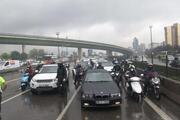 Ataşehir D-100de alev topuna dönen otomobil kamerada
