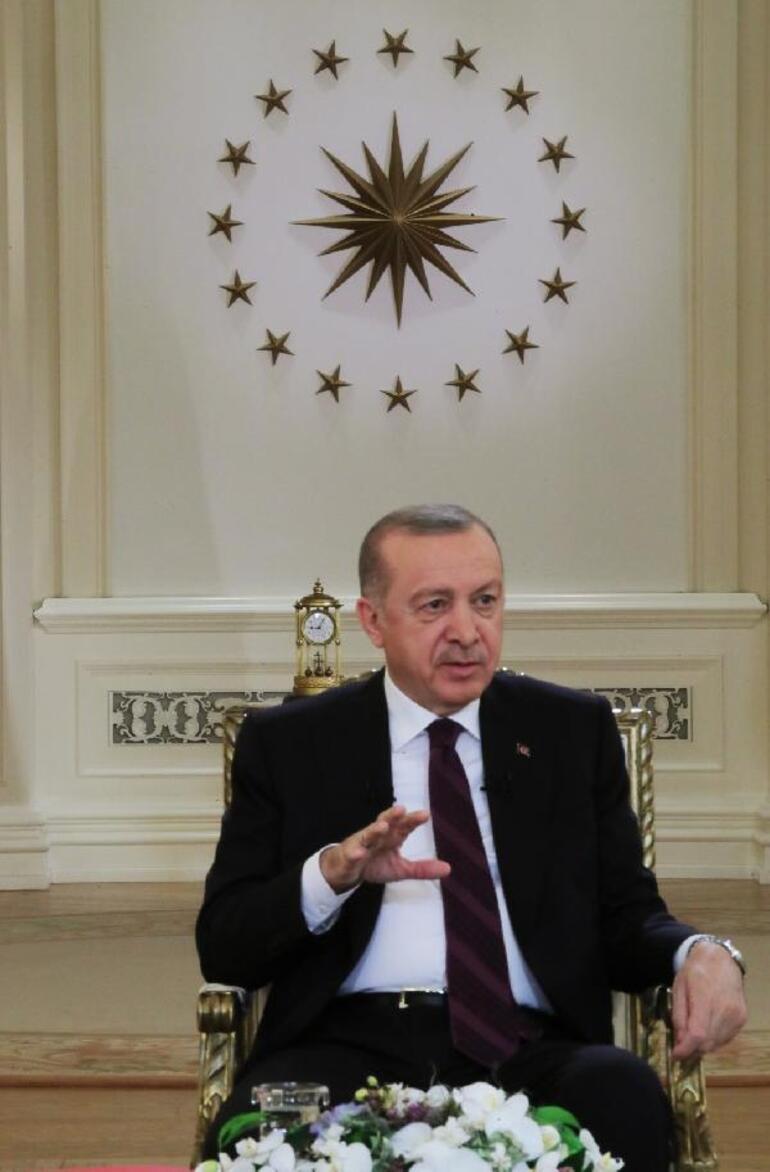 Cumhurbaşkanı Erdoğanın katıldığı televizyon programındaki saatte 09.05 detayı