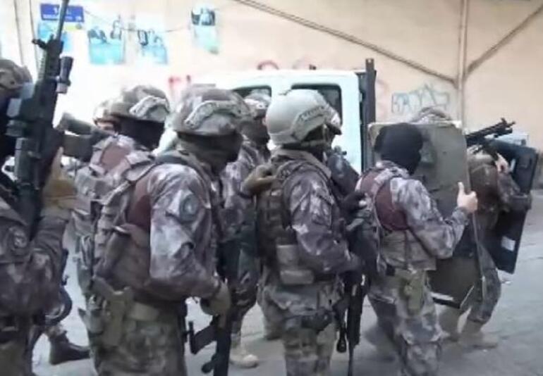 Son dakika: Diyarbakırda silahlı suç örgütüne nefes kesen operasyon