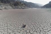 Ayvalı Barajının suları çekildi; evler gün yüzüne çıktı