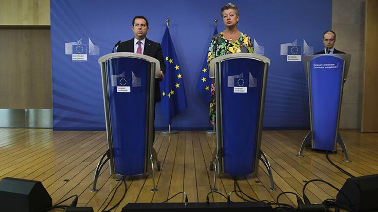 Son dakika haberi... Basın toplantısında gergin anlar: AB-Yunanistan arasında Türkiye sınırındaki ses topu tartışması